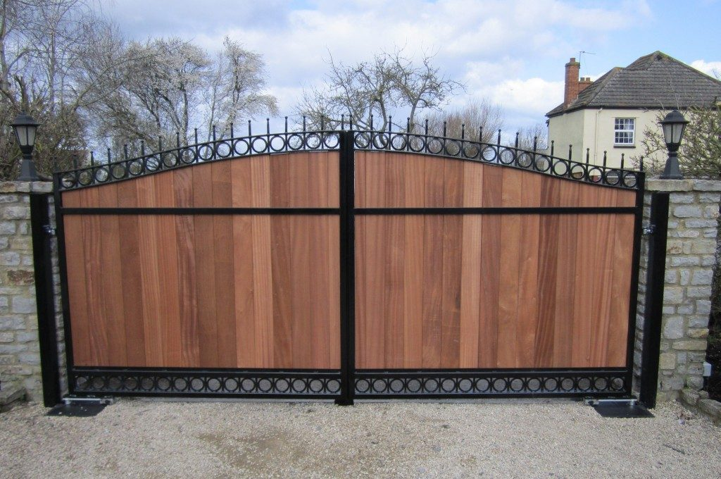 Wood and metal gate