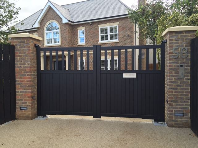 Aluminium Swing Gate
