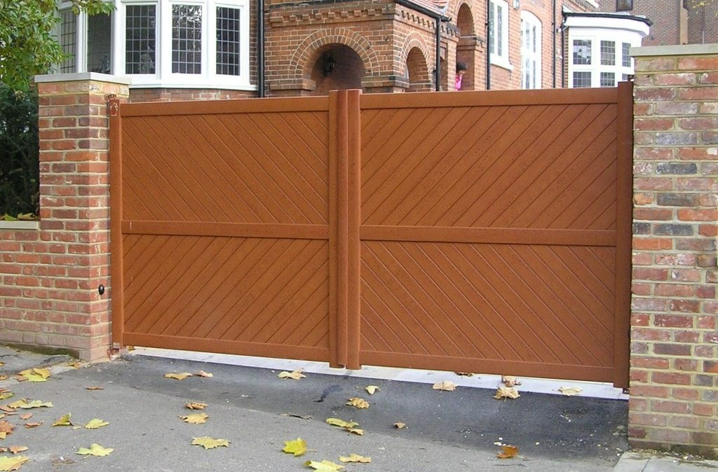Wood effect Aluminium Gates
