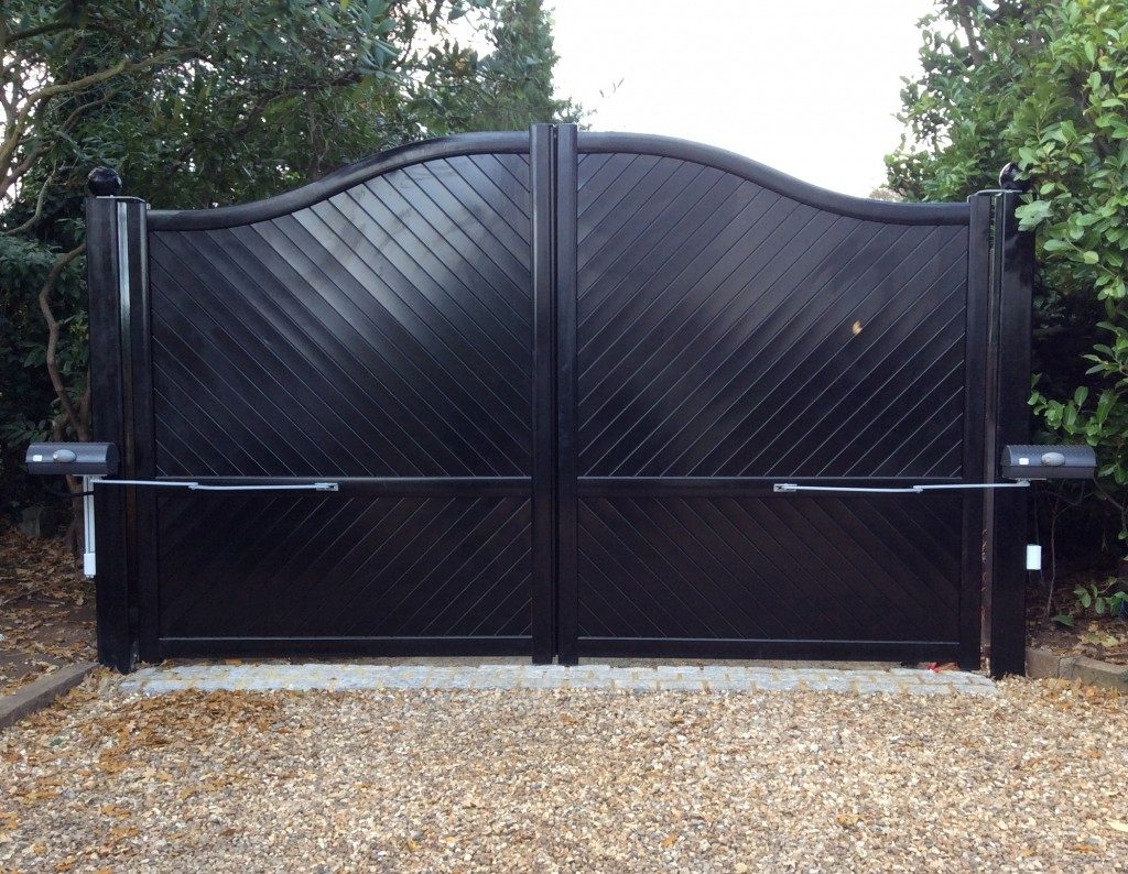 Black Aluminium Swing Gate (Bell Top)