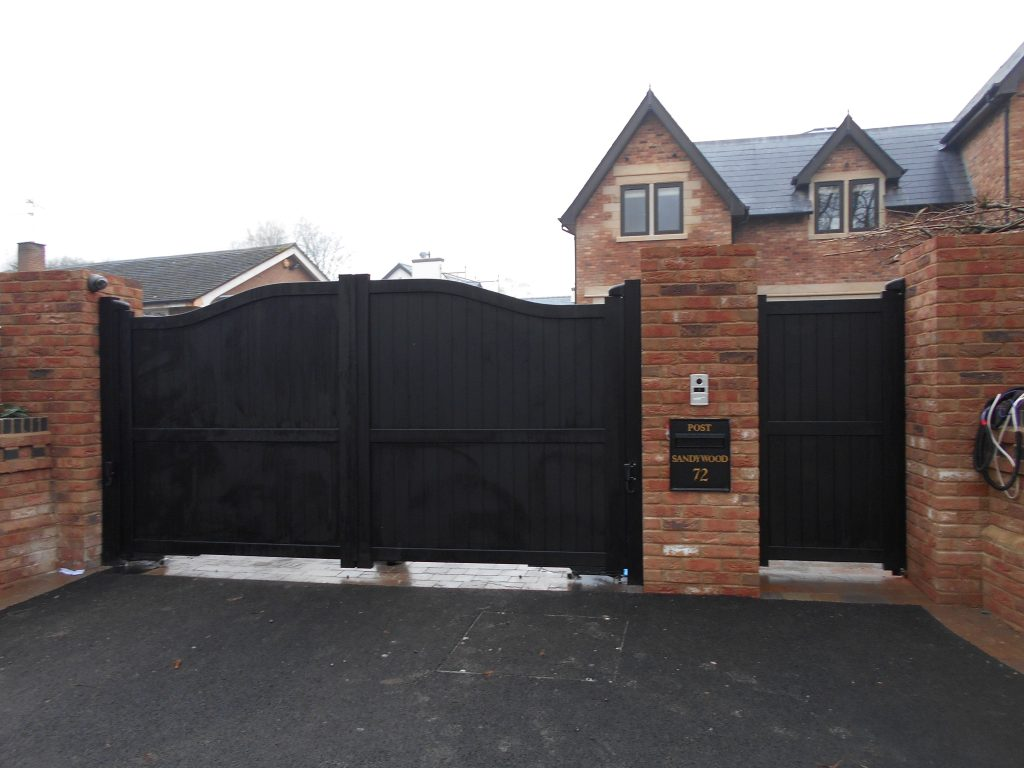 Black Aluminium Swing Gates